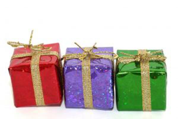 3-presents-1128252-m